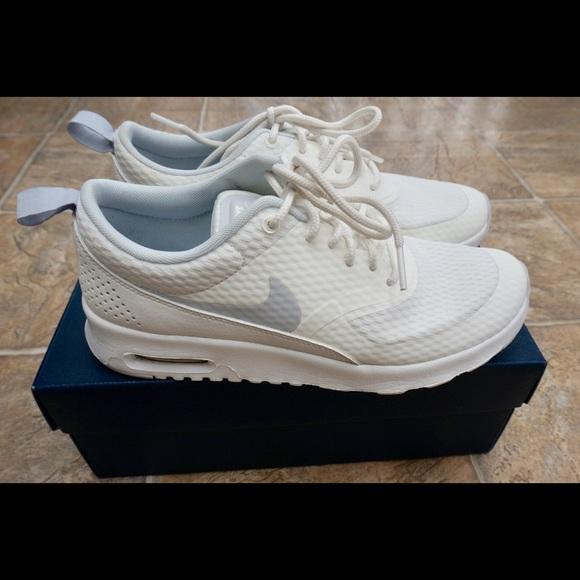 super popular 353e6 aa435 NIKE Women s Air Max Thea Running Shoe. M 5b54e0bdde6f62dd0d9e078c
